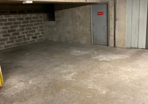 Parking 13m2 rue Amelot Paris 11