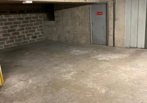 Parking 13m2 rue Amelot Paris 11