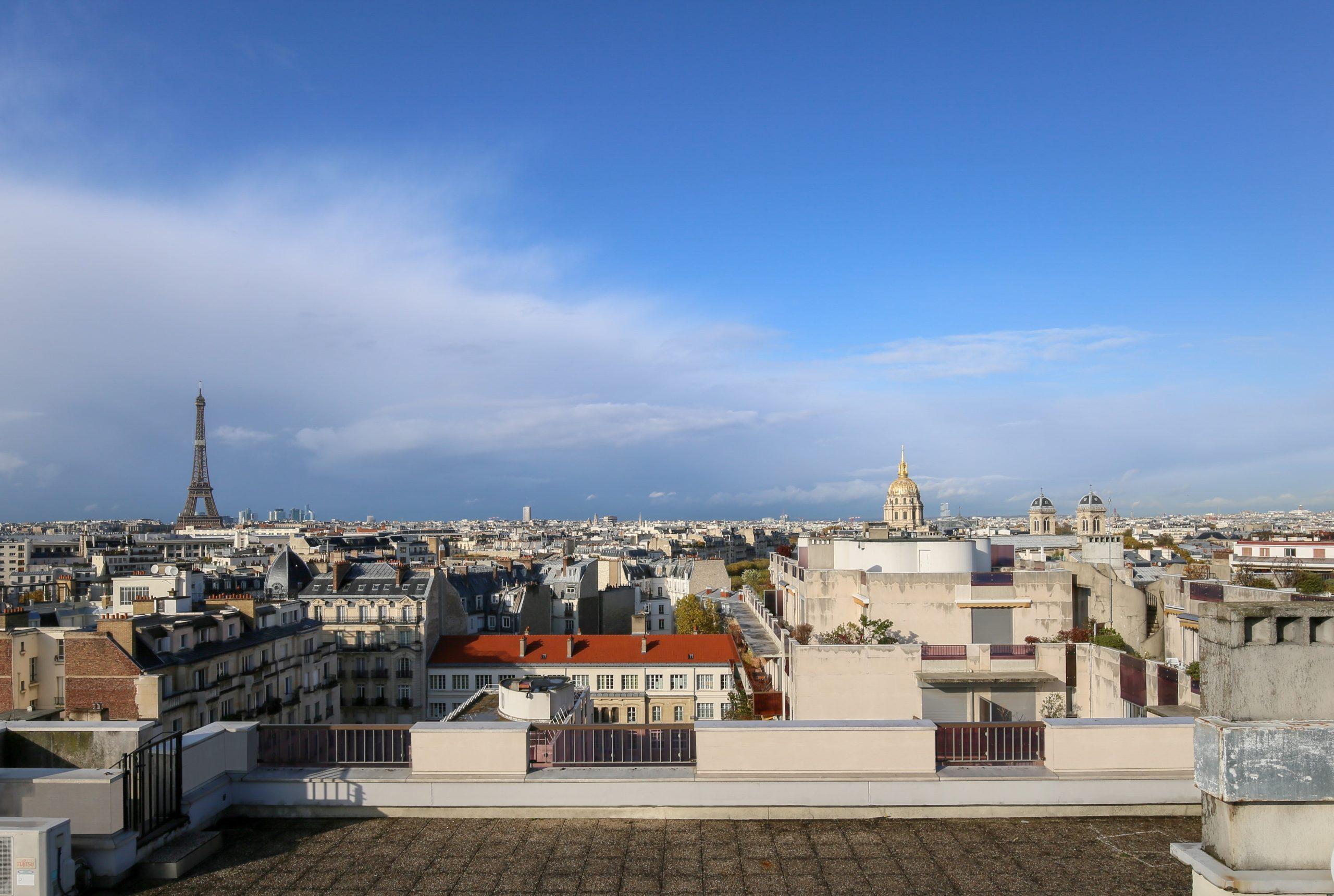 169m2 / 59m2 balcon-terrase / 140m2 rooftop rue Duroc Paris 7