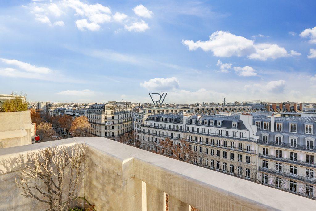 76m2 avec terrasse panoramique bld de la Madeleine Paris 9